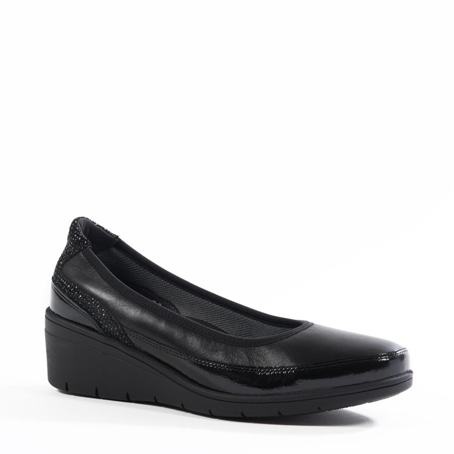 Izuzetno lagana i udobna ženska cipela u kombinaciji kože i laka