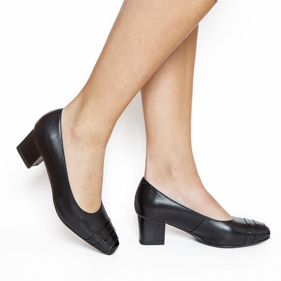 Ženska cipela na stabilnoj potpetici u crnoj koži