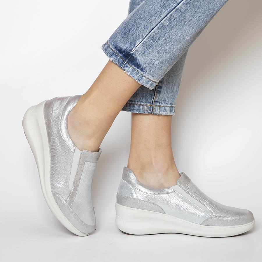 Komforna ženska cipela na anatomskom đonu