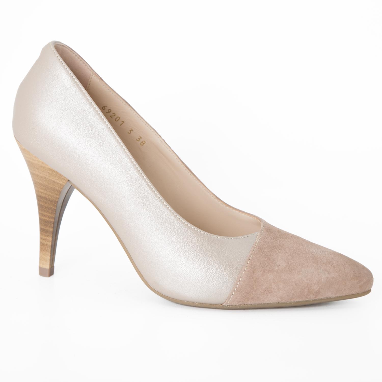 Veoma elegantna ženska cipela u kombinaciji bež velura i bež kože
