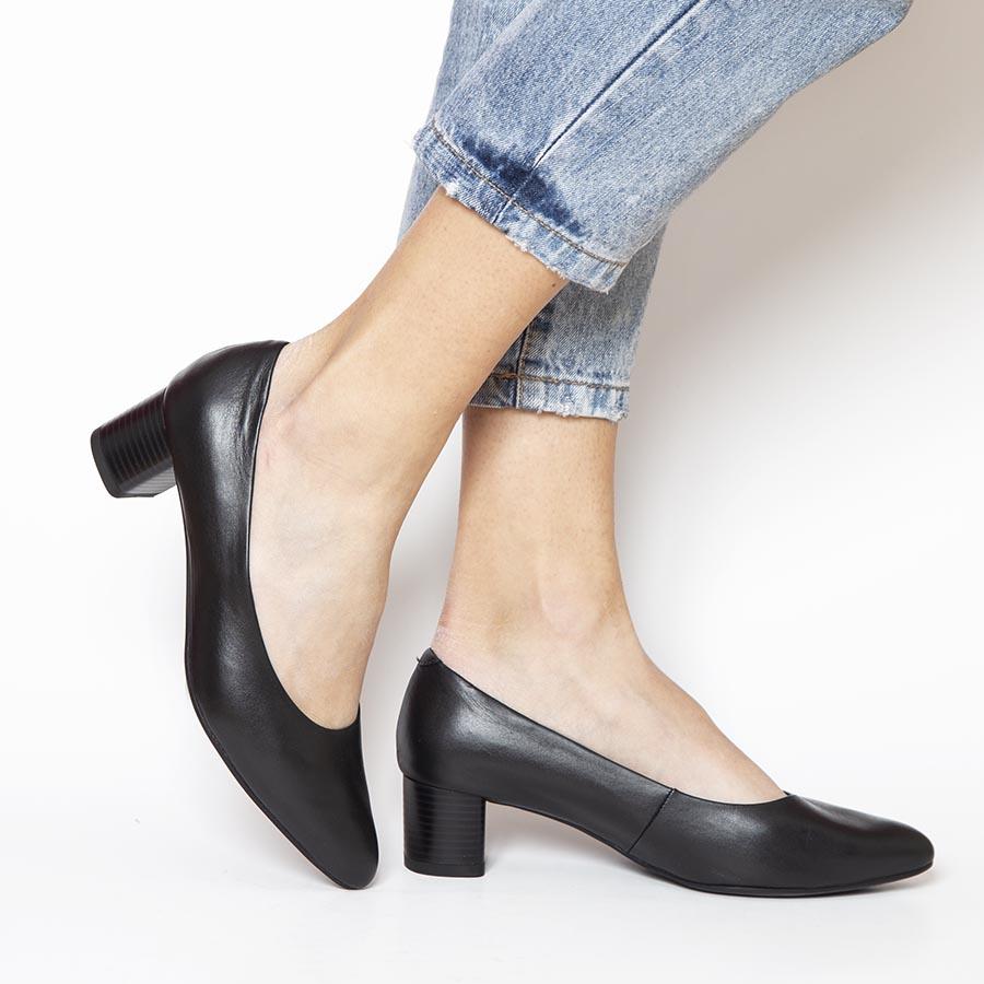 Elegantna ženska cipela od prirodne crne kože